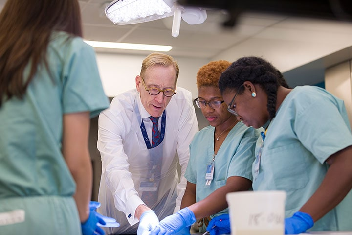 Mayo Clinic Alix School of Medicine again among top 10 in national rankings