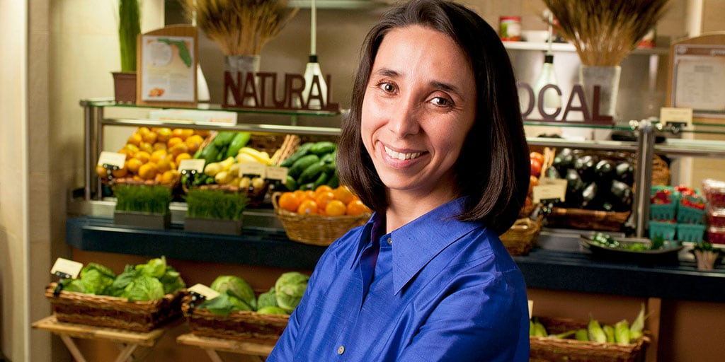 Mayo Clinic dietitian with fruits and vegetables