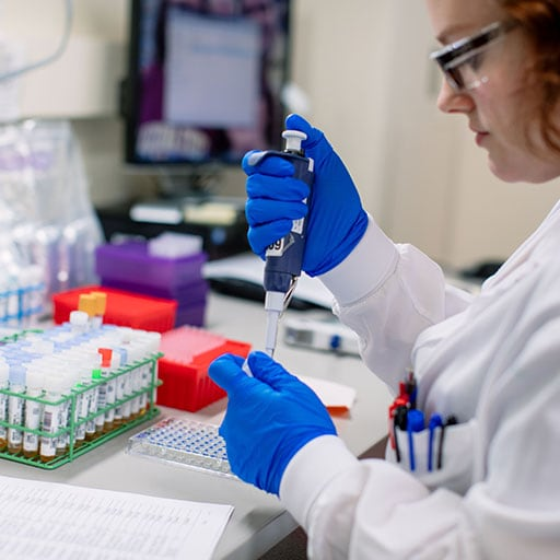 Mayo Clinic medical laboratory scientist working in a lab