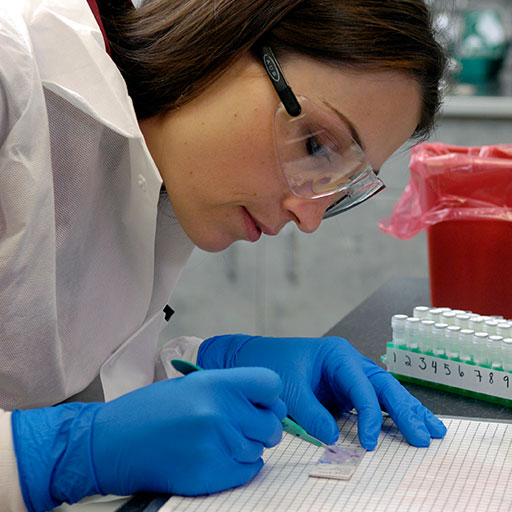 Mayo Clinic molecular genetic technologist analyzing samples