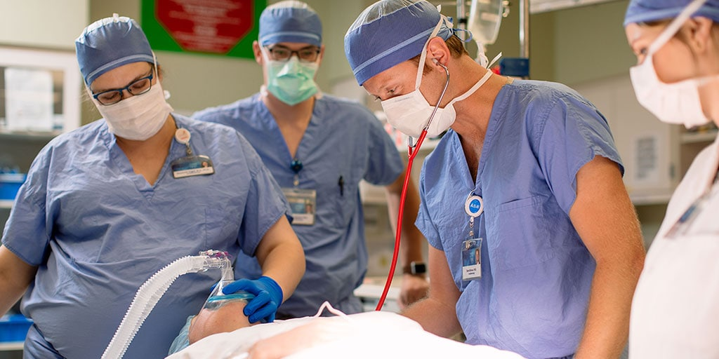 Mayo Clinic nurse anesthetists monitoring a patient