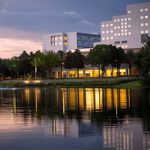Evening photo of Mayo Clinic's campus in Jacksonville, Florida